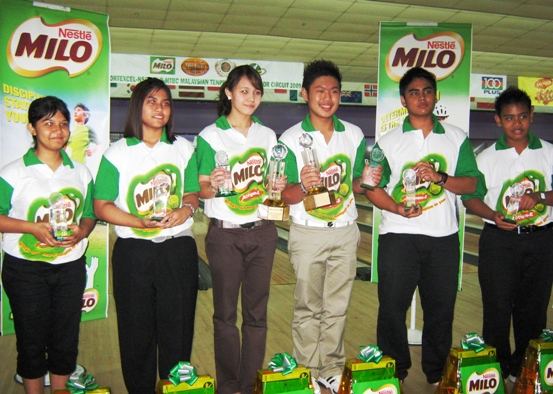 GP Finals Champions.(L-R)Nur Ain Mustaffa,Puteri Nadia,Syaidatul Afifah,Chong Jun Foo,Dinie Faliq and Mohd Qayyum